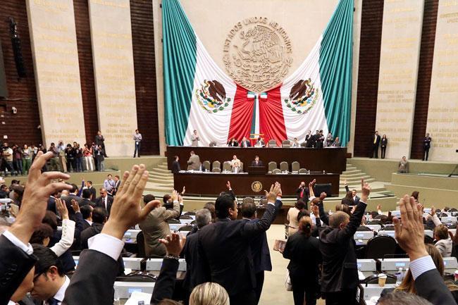 Nuevamente los diputados federales del PRI y del PAN volvieron a traicionar a la clase trabajadora de México.