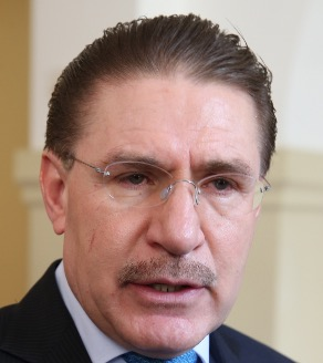 José Rosas Aispuro Torres, mucho menos credibilidad que en el 2010.