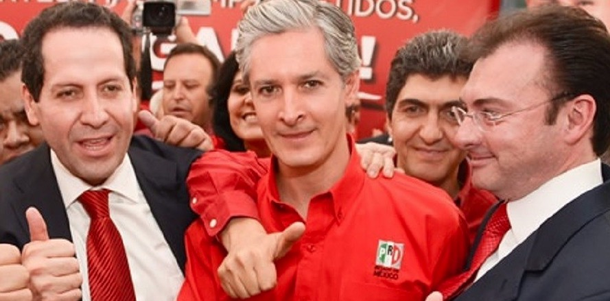 Alfredo del Mazo, candidato a gobernador del Estado de México, flanqueado por el gobernador mexiquense Eruviel Ávila y por Luis Videgaray, peligrosos saqueadores de las arcas públicas.