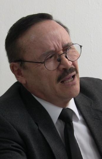 Profr. Marcos Cruz Martínez, secretario de la SEDESOE, obtuso y contradictorio, ya despilfarra el erario duranguense y está confrontado con el gobierno aispurista.