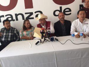El todavía dirigente de Morena en Durango, Rosendo Salgado Vázquez, en su rueda de prensa poco convincente.