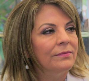 Sra. Elvira Barrantes, presidenta del DIF en Durango y esposa del gobernador, dos de sus sobrinas ocupan altos cargos en el COBAED.
