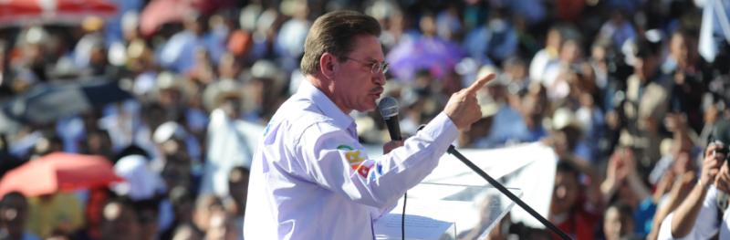 El gobernador demagogo de Durango, José Rosas Aispuro Torres, acusaciones endebles a saqueadores del sexenio pasado para aparentar que en verdad se está haciendo justicia en esta entidad norteña, mientras practica el nepotismo y tolera la corrupción de buena parte de los integrantes de su gabinete.