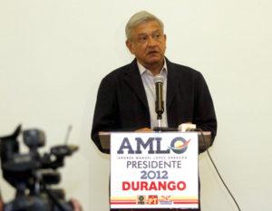 """Andrés Manuel López Obrador, el santón """"izquierdista"""" que ya lleva 18 años como candidato a la presidencia de la República y protegiendo a colaboradores extremadamente corruptos, como los hermanos Salgado Vázquez."""