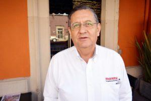 """El ex dirigente estatal de Morena en Durango, Carlos Medina Alemán, se ha convertido en la principal paranoia del protegido de AMLO. """"Rosendo Salgado siempre anda muy nervioso y volteando a todos lados porque cree que Carlos Medina lo va a agredir"""", dicen los militantes morenistas."""