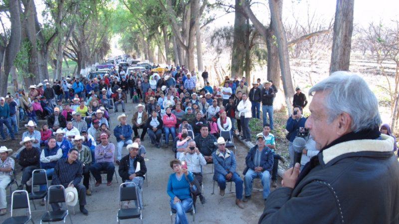 Los militantes inconformes de Morena en Durango deben entender que sus denuncias en contra de Rosendo y Rigoberto Salgado nunca van a proceder por los pactos sucios que AMLO tiene con ellos y con el priísmo corrupto que gobernó esta entidad el sexenio pasado.