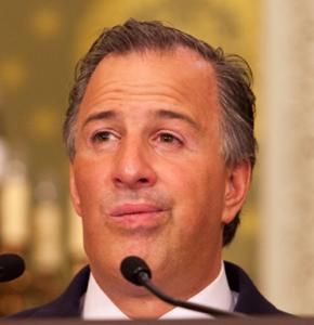 José Antonio Meade, dos sexenios como secretario de Hacienda provocando que los bolsillos de los contribuyentes cada día tengan menos dinero.
